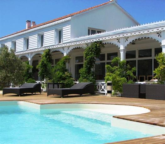 Hotel La Maison Sur Lu0027Eau
