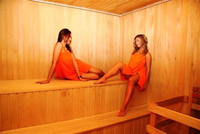 Прекрасная комната для отдыха, отличная финская сауна в распоряжении владел