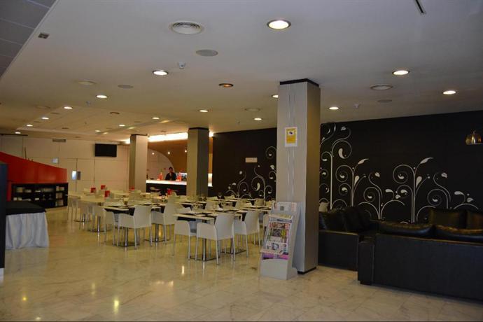 ¡Consigue una oferta fantástica de hotel en Naron!