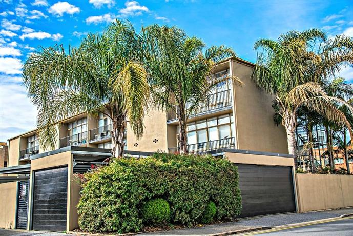 Photo: Adelaide DressCircle Apartments - Ward Street