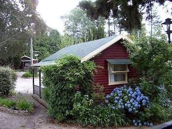 Photo: Cedar Lodge Cabins