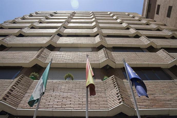 ¡Consigue una oferta fantástica de hotel en Seville!