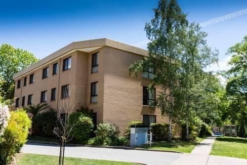 Photo: Kingston Court Apartments
