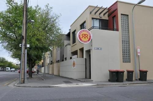 Photo: RNR Serviced Apartments Adelaide - Wakefield St
