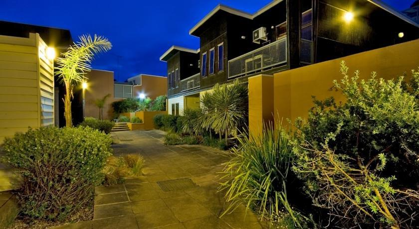 Photo: Lornebeach Apartments