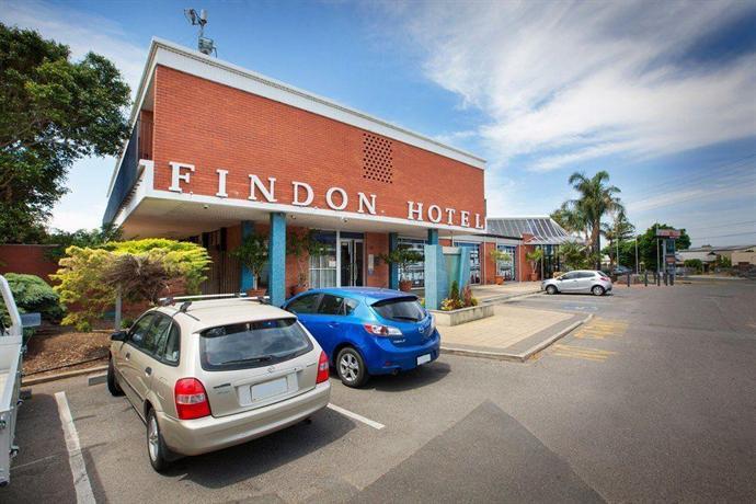 Photo: Findon Hotel