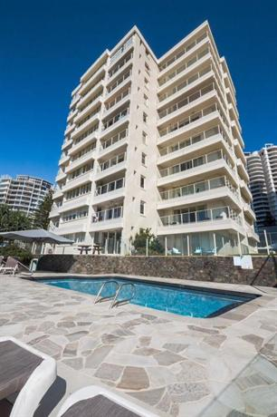 Photo: Beachfront Viscount Apartments Gold Coast