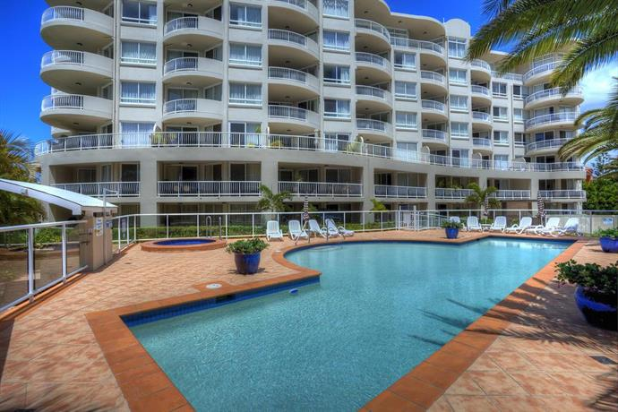 Photo: Kirra Beach Apartments