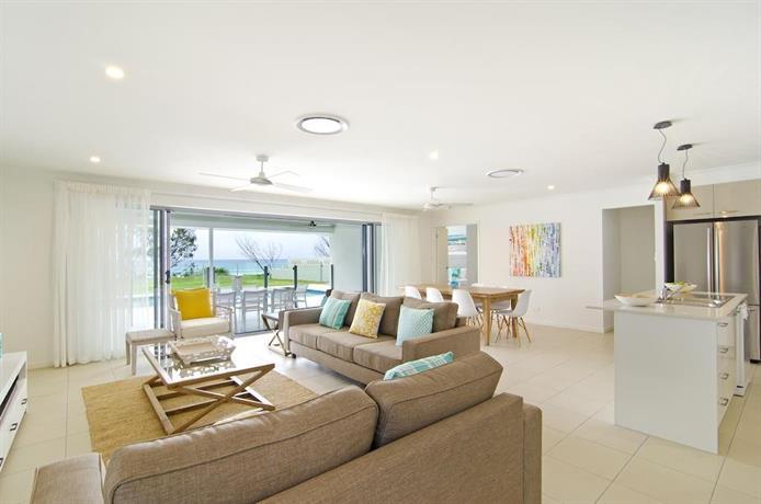 Photo: Sentosa on Tugun - Beachfront 5 Bedroom