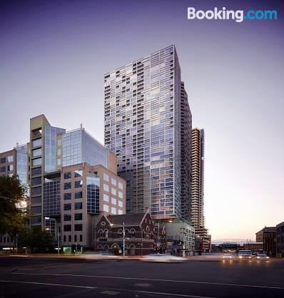 Photo: 1 Br Apt Door Step To Southern Cross Station