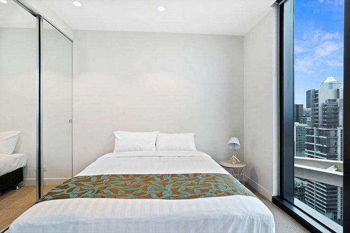 Photo: IFSTAYS EQ Tower - New Apartment in Melbourne CBD