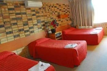 Photo: Palms Hotel Motel Chullora
