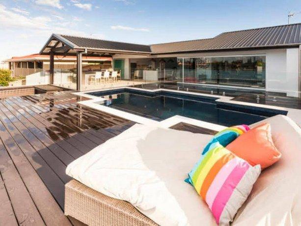 Photo: Rumrunner Resort