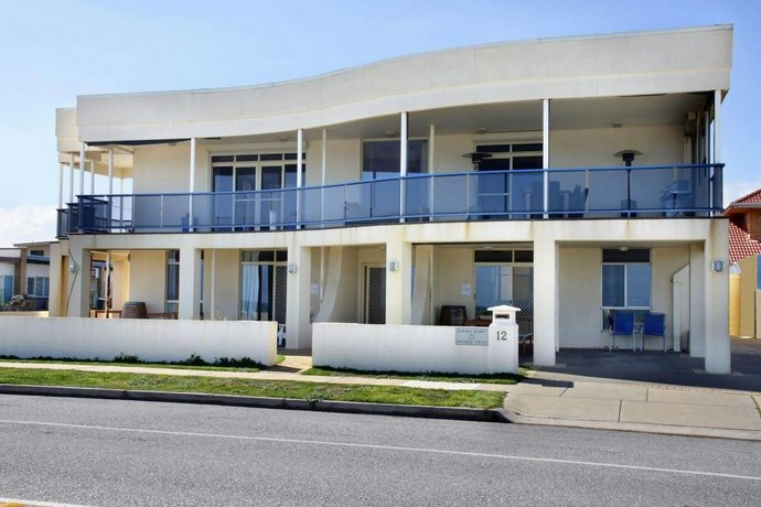 Photo: Seaview Sunset Holiday Apartments