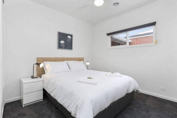 Photo: Coastal Vibe Apartments