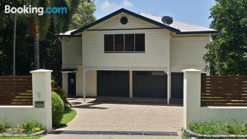 Photo: Cairns / Stratford Tropical apartment