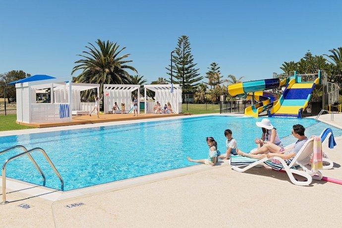 Photo: Adelaide Shores Resort
