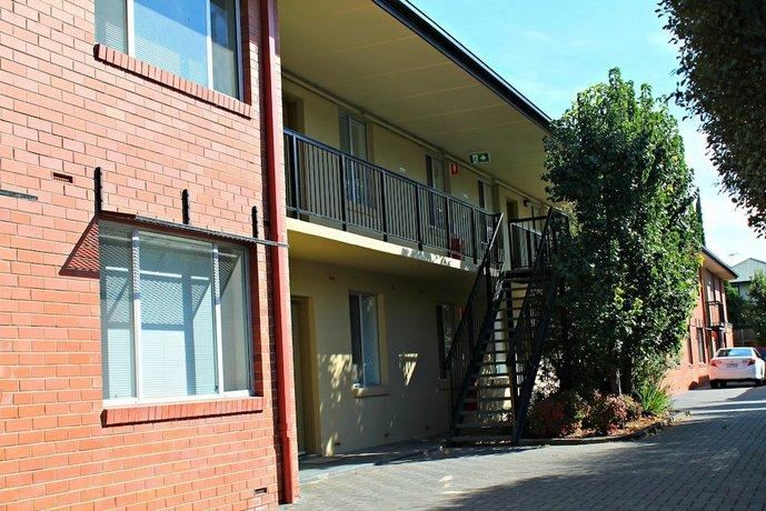 Photo: Adelaide DressCircle Apartments - Childers Street