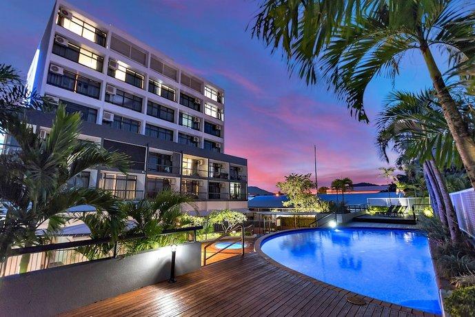 Photo: Sunshine Tower Hotel Cairns