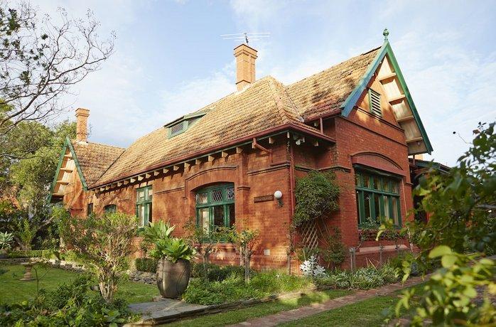 Photo: Buxton Manor