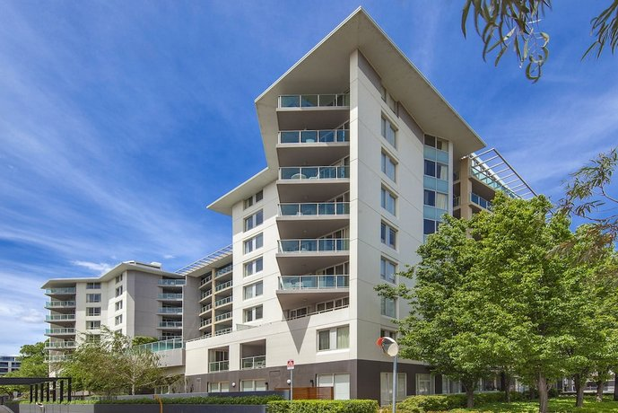 Photo: Pacific Suites Canberra