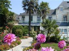 Les 13 Assiettes Hotel Le Val-Saint-Pere foto.