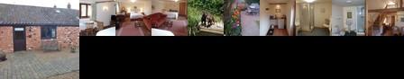The Courtyard Laurel Farm Bed & Breakfast Lowestoft