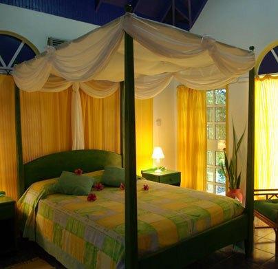 Evergreen Hotel Roseau - dream vacation