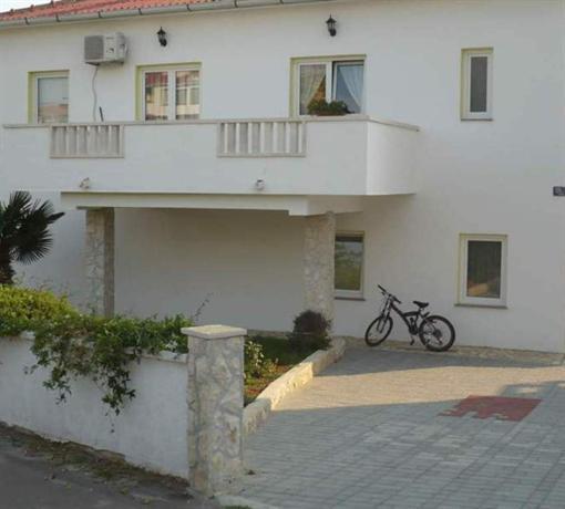 Apartments Milka Povljana - dream vacation