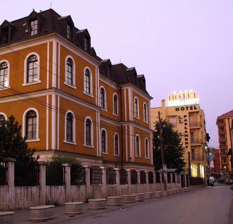 Hotel Parlament Pristina - dream vacation