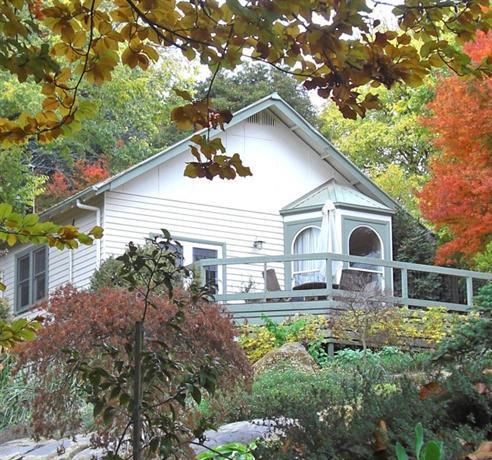 Photo: Woolrich Historic Garden Accommodation