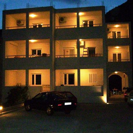 Apartments Ante Omis - dream vacation