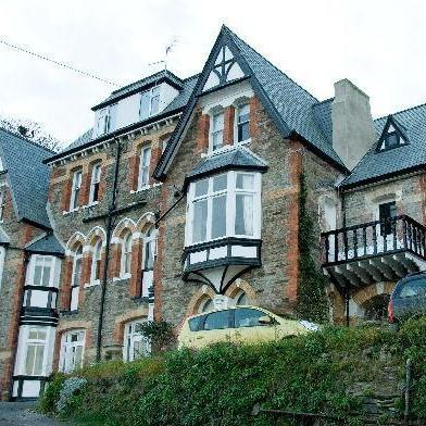 The Hamptons Bed & Breakfast Ilfracombe - dream vacation