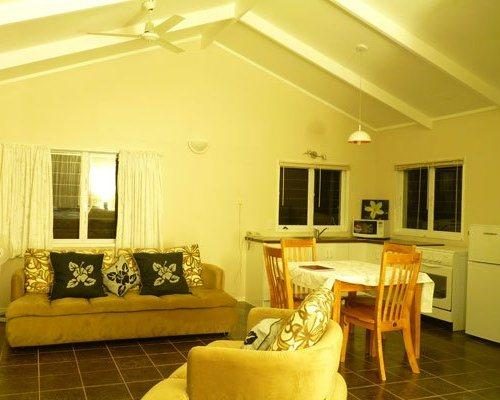 Te Akapuao Holiday Home and Studio Villas - dream vacation