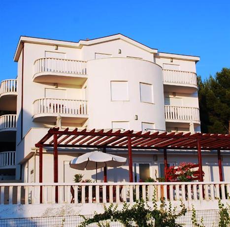 Villa Bianca Apartments Okrug Gornji - dream vacation