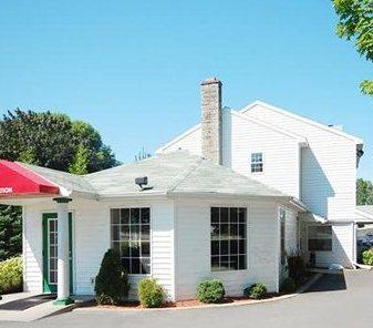 Econo Lodge Inn & Suites Downtown Rensselaer New York - Albany -