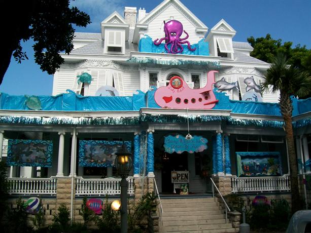 Curry mansion inn key west offerte in corso for Stile key west