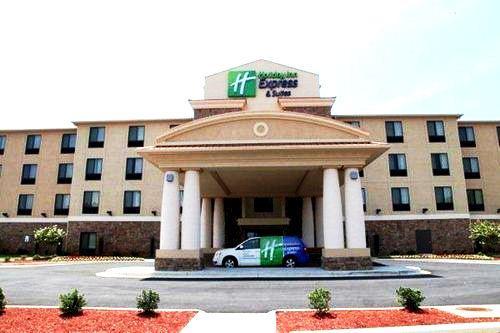 Holiday Inn Express & Suites Huntsville-Madison - dream vacation