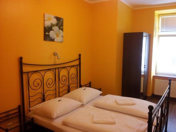 Do Step Inn - Hotel & Hostel