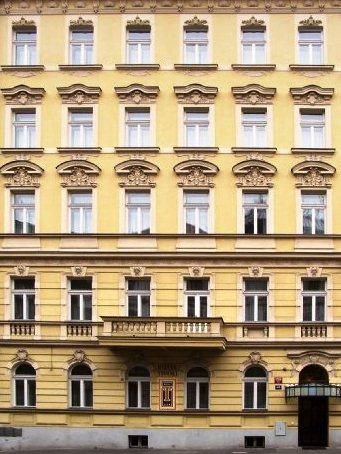 Tivoli Hotel Prague - dream vacation