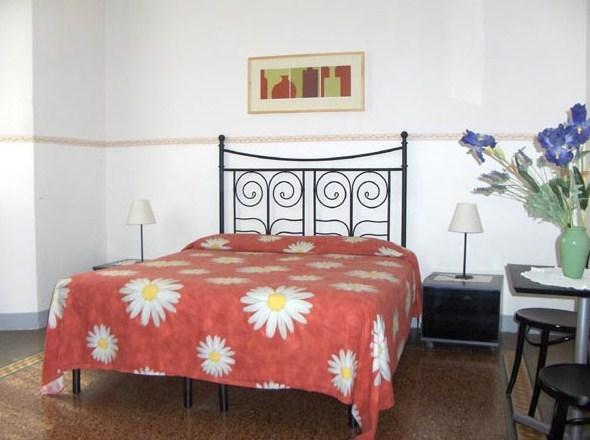Soggiorno Primavera, Florence - Compare Deals