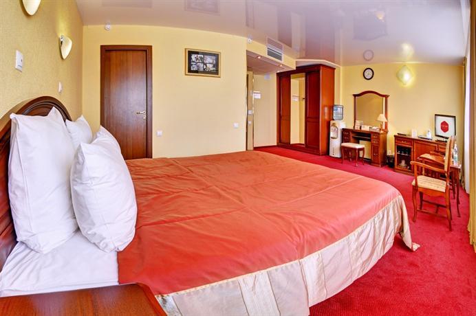 Отель Южный