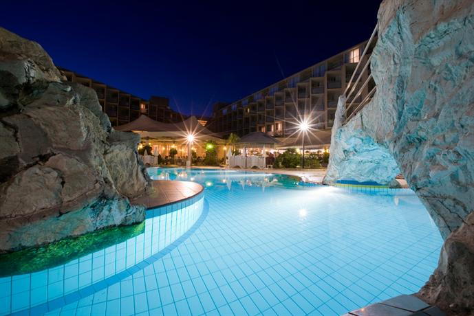 Maestral Hotel Novigrad - dream vacation