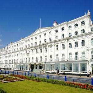 Bay Burlington Hotel - dream vacation