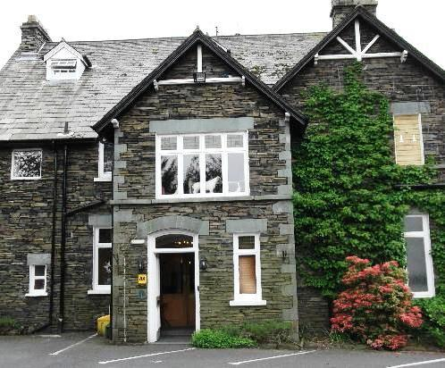 Budget Hotels in Ambleside - Lake House, Waterhead Bay