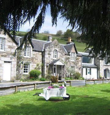 Loch Tummel Inn - dream vacation