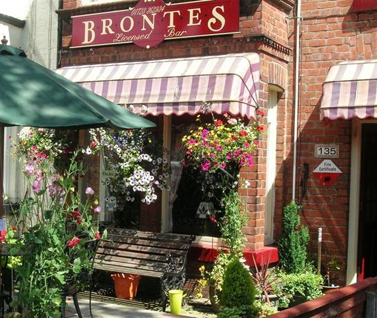 Brontes Guest House Scarborough - dream vacation