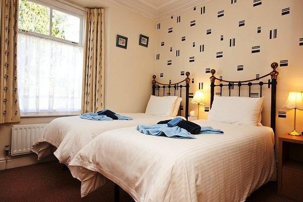 Holly-Wood Guest House - dream vacation