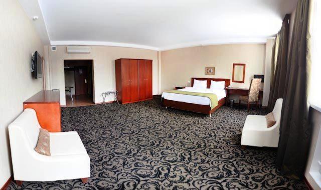 Benefit Plaza Hotel