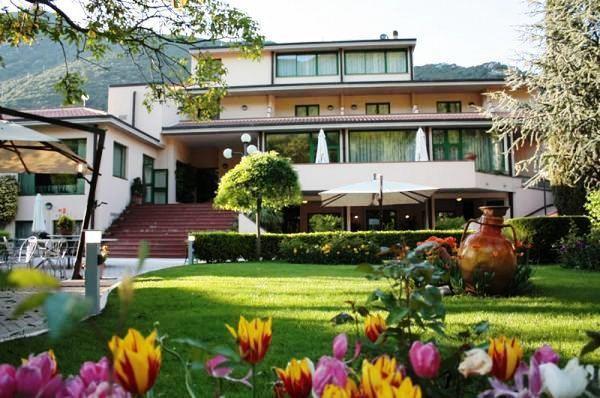Guesia Village Hotel e Spa